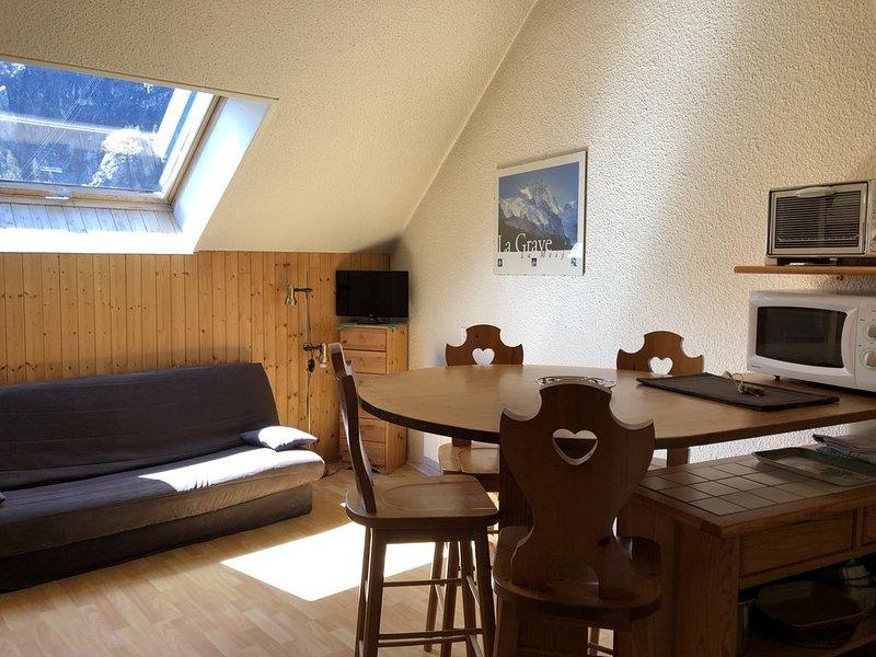 Les Enfetchores n°81 - Studio cosy, vue sur la Meije à 150m du téléphérique, casa vacanza a La Grave