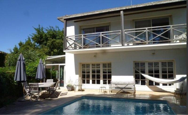 Maison avec piscine au coeur de Montpellier, location de vacances à Juvignac