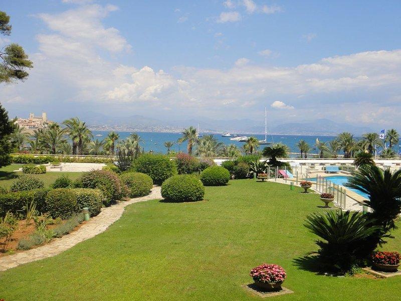 APT in Cap d' Antibes near beach, restaurants & shops, alquiler vacacional en Antibes