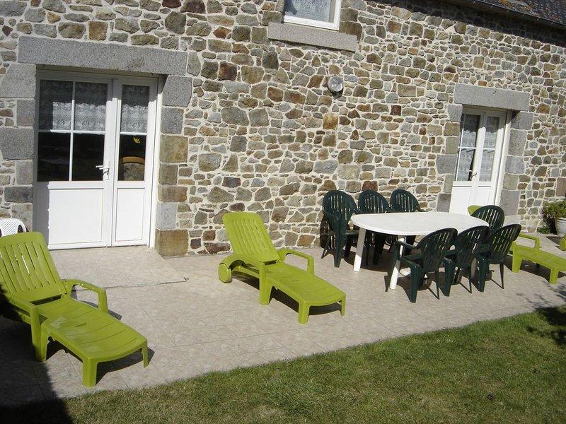 Maison tout confort, accessible PMR, entre Saint-Malo et le Mt St-Michel, location de vacances à Dol-de-Bretagne