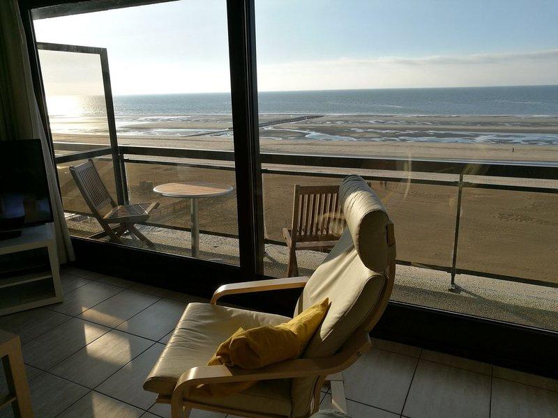 Splendide appartement sur la digue avec grande terrasse au cinquième étage, holiday rental in Koksijde
