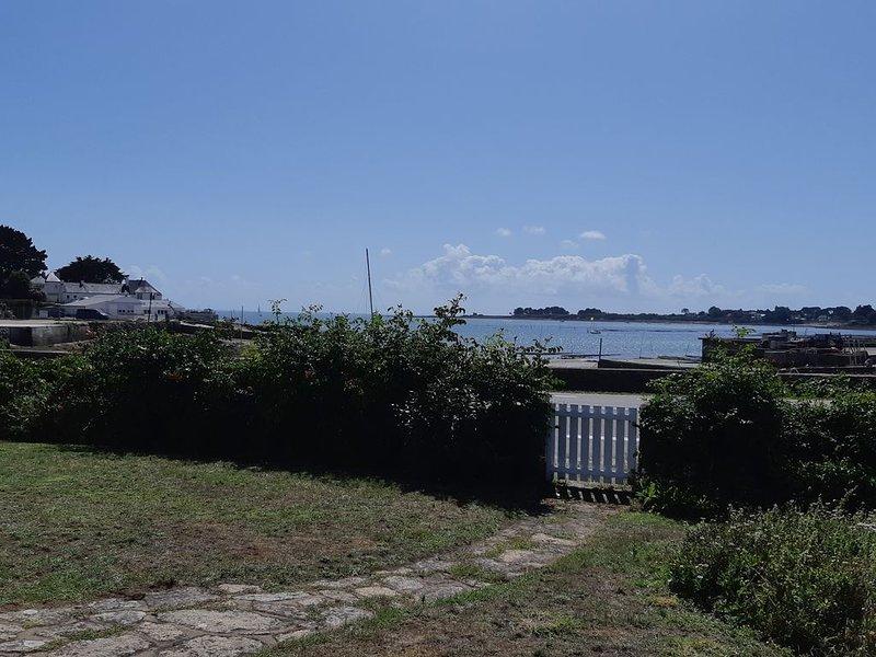 Maison vue mer imprenable à Saint Philibert, aluguéis de temporada em Saint-Philibert