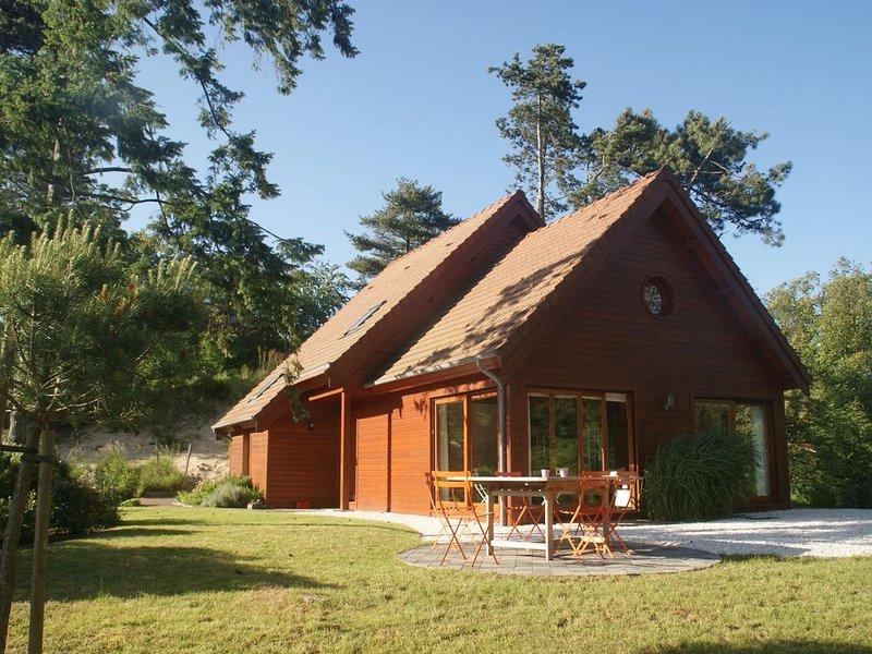 Spacieuse villa très lumineuse avec jardin sympathique, holiday rental in Neufchatel-Hardelot