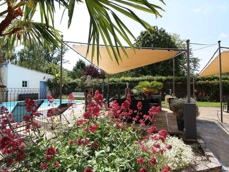 L'ABRI DU CHENE, meublé tourisme **** 11 Pers, holiday rental in Saint Romain sur Gironde