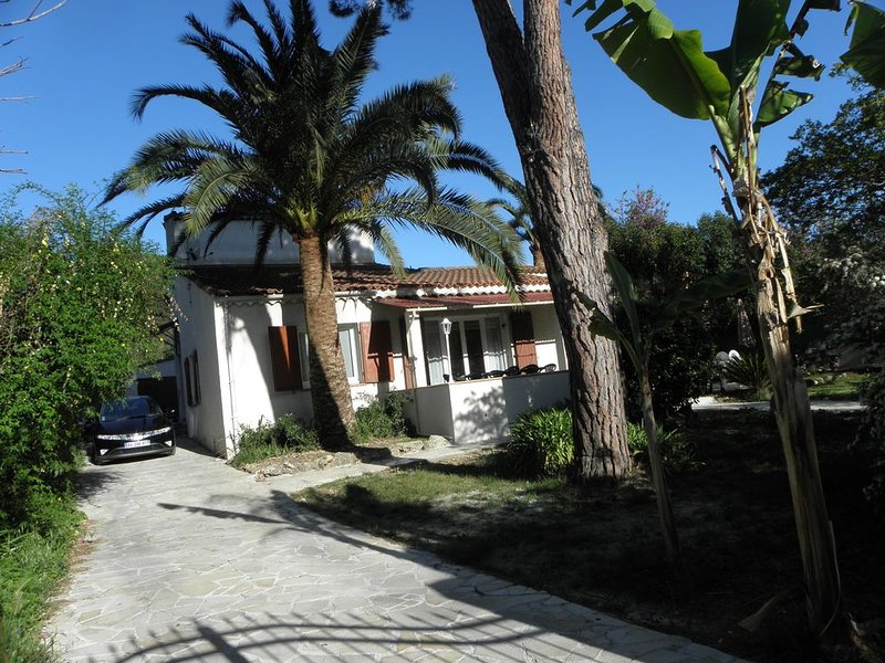 Villa limitrophe Cannes-Le Cannet, holiday rental in Le Cannet