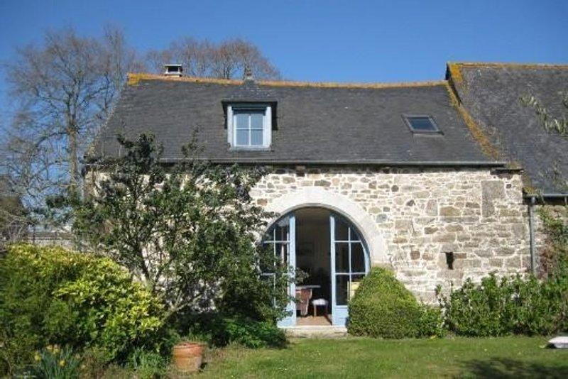 Location  Maison  Planguenoual Proche Mer Et Val André, vacation rental in Hillion