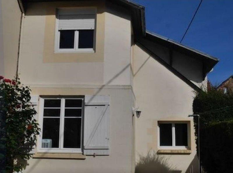 Charmante maison de ville au Val André, holiday rental in Cotes-d'Armor