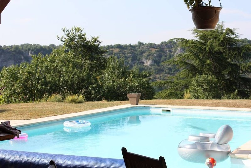 Location gite entre Cahors et St Cirq Lapopie, holiday rental in Cabrerets