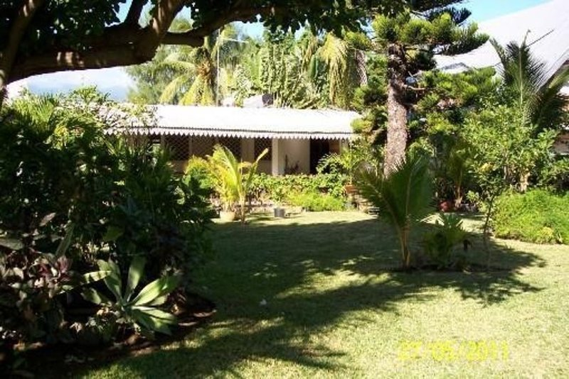 Location de vacances dans une villa tropicale à l'ermitage-les-bains (réunion), location de vacances à Arrondissement de Saint-Paul