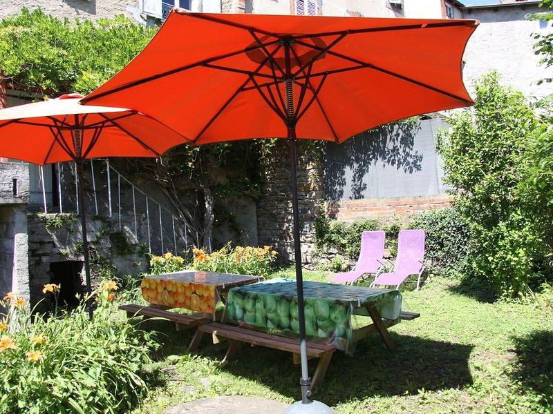 Cantal'Envie, gite 2 étoiles, 9 personnes, location de vacances à Saint-Beauzire