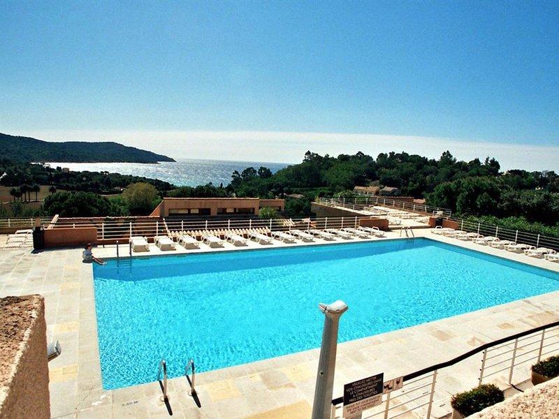 LA CROIX VALMER / SYLVABELLE - 2 p + terrasse - Belle vue Mer avec piscine -, location de vacances à La Croix Valmer