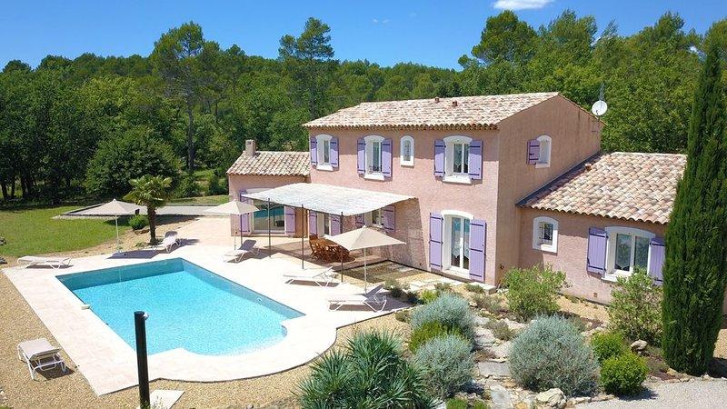 Très belle maison de vacances de style provençal, avec piscine, pour 4 à 10 pers, casa vacanza a Flayosc