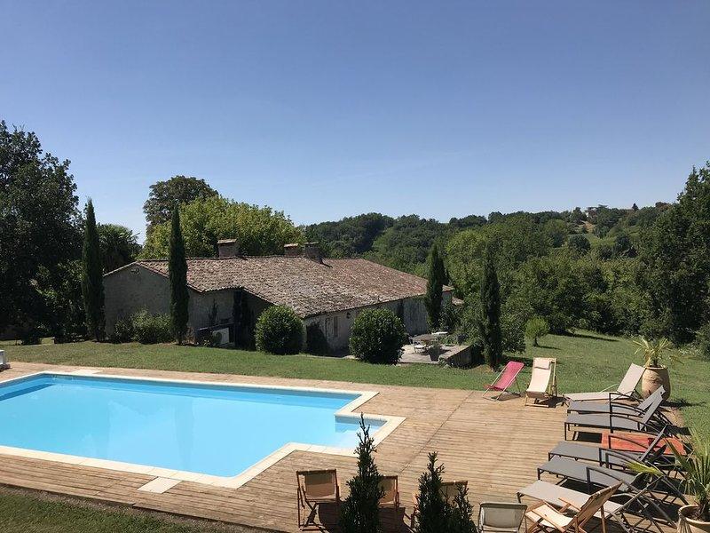 Grande maison de charme Dordogne, location de vacances à Pujols