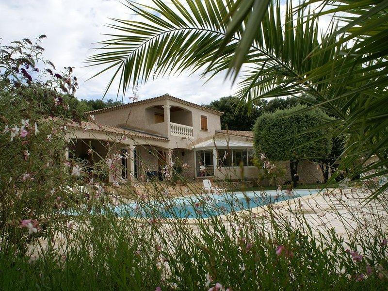 Gîte dans un hameau près d' Uzès, holiday rental in Serviers-et-Labaume