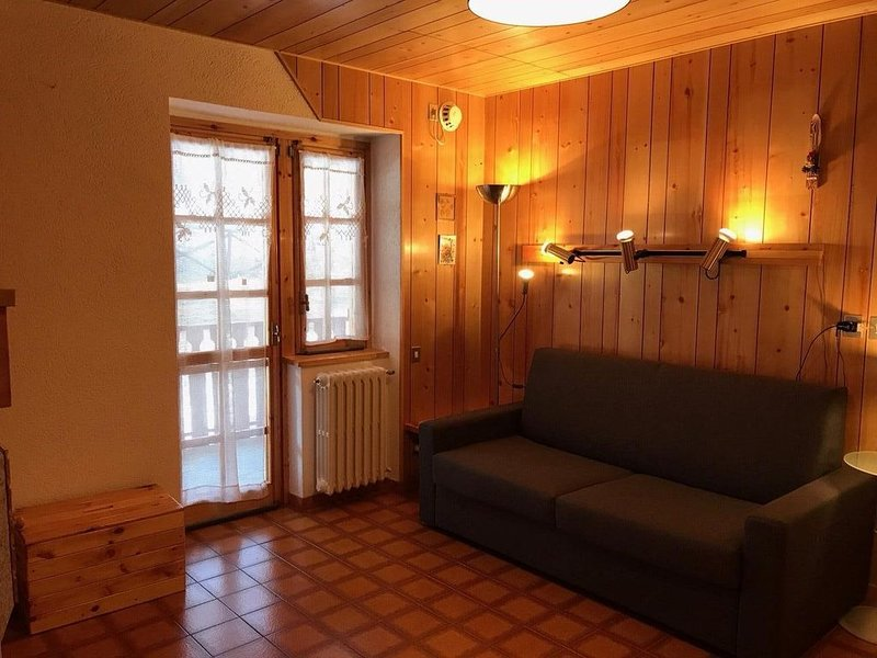 Appartement 5 adultes + 1 enfant 300 mètres des pistes, vacation rental in Sauze d'Oulx