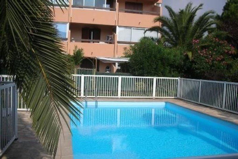 Beau T2 proche mer et centre ville, location de vacances à Sanary-sur-Mer