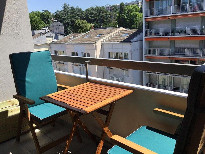 Studio hypercentre Aix les bains classé 2⭐ idéal curiste, location de vacances à Tresserve