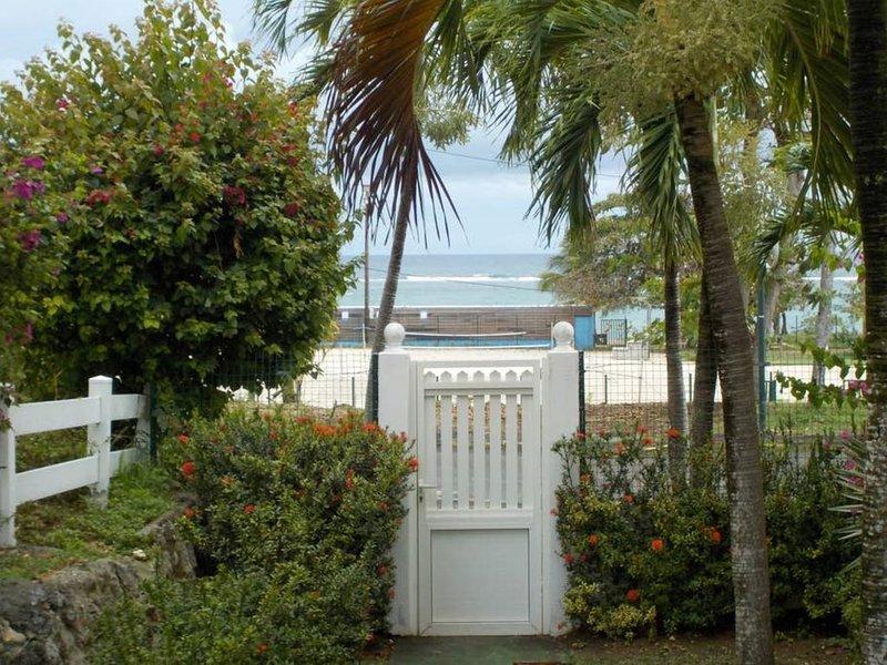 appartement à deux pas de la mer, holiday rental in Le Moule