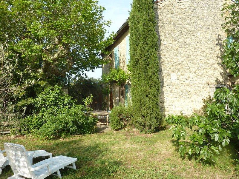 Ancien Mas provencal, vacation rental in Monteux
