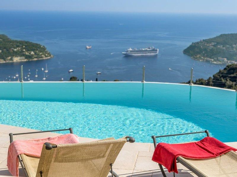 Superbe Villa a Villefranche-sur-Mer avec vue exceptionnelle et piscine, location de vacances à Villefranche-sur-Mer