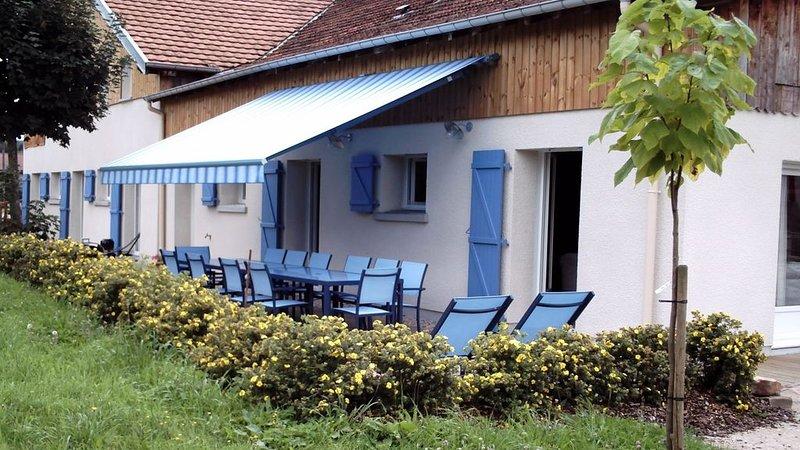 A 10 mn de Gérardmer  maison d'hôtes 5* 'les Erables ' 10 - 14 p Jacuzzi, holiday rental in Champdray