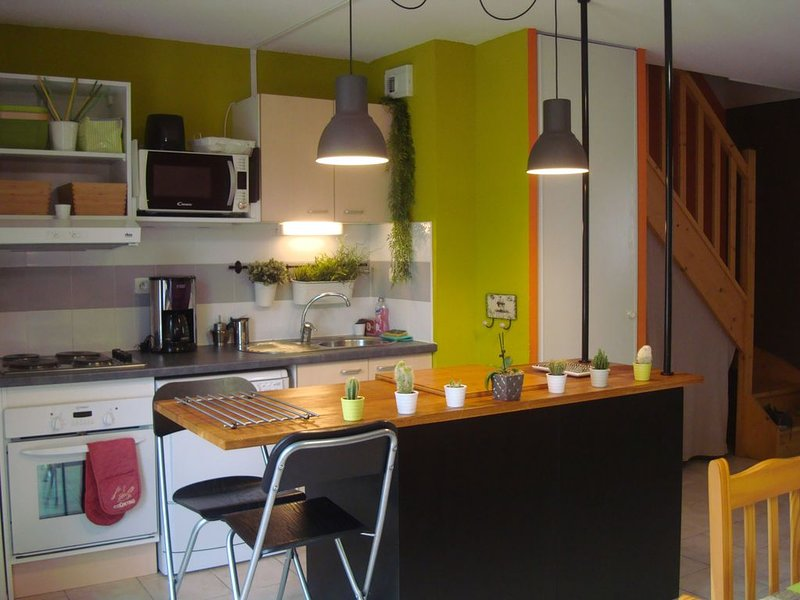 Maison avec piscine dans une residence de vacances, holiday rental in Clarensac