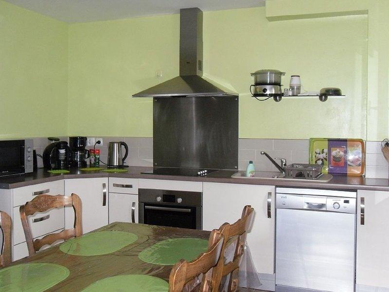 AX LES THERMES   T2   PKG PRIVE CLASSE 4 ETOILES  VUE EXCEPTIONNELLE, vacation rental in Ascou