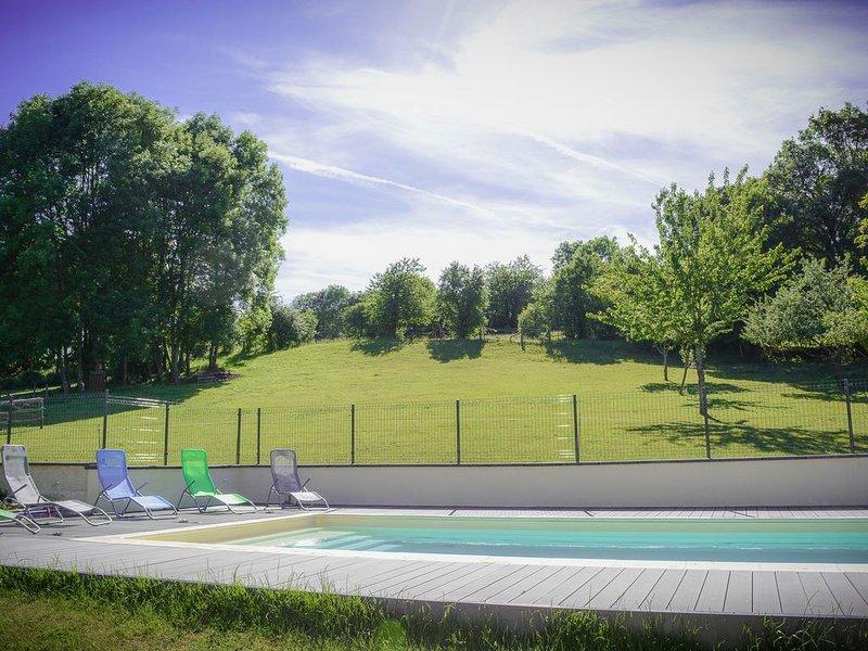 Gîte Le Répit avec piscine, holiday rental in Neufchateau