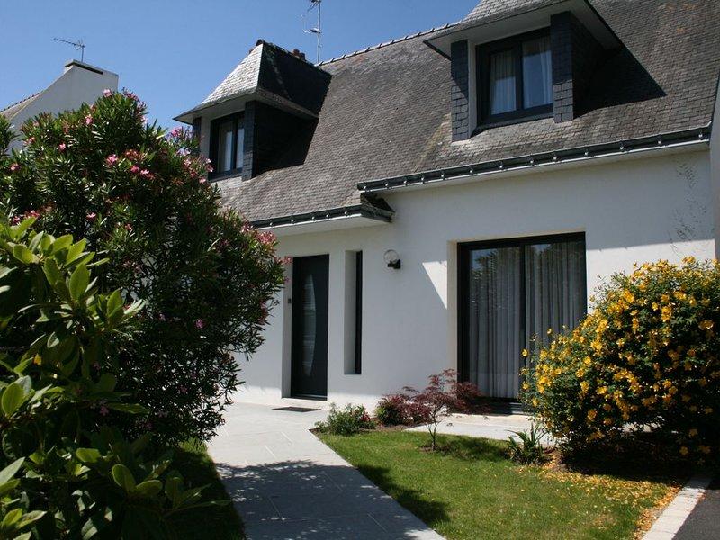 Grande maison lumineuse classée 3 étoiles dans une station balnéaire familiale, casa vacanza a Gavres