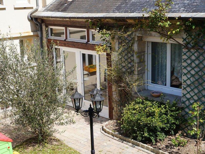 Maison verdoyante proche aéroport, location de vacances à Ville de Chantilly