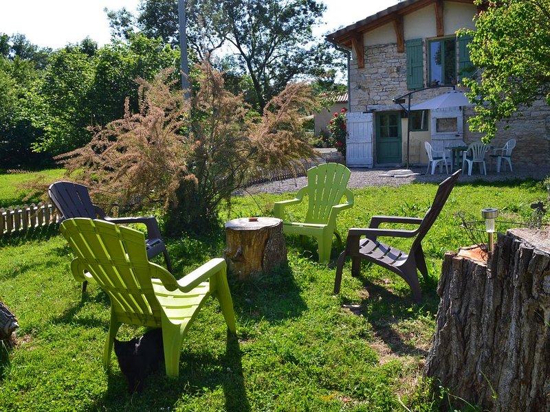 Couanac , gite à la campagne avec piscine, holiday rental in Puylaroque