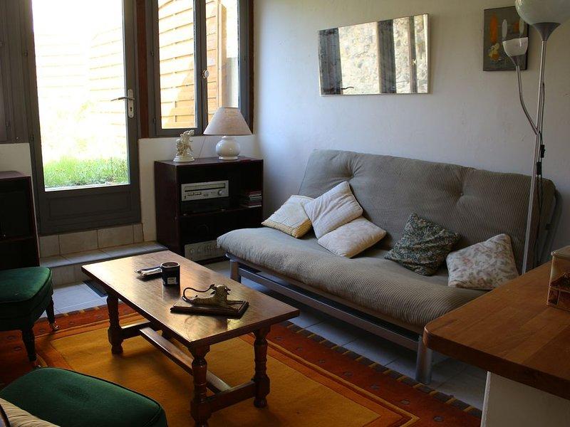 Maison complète - Centre ville - ARMADA, holiday rental in Fontaine-le-Bourg