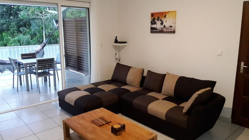 APPARTEMENT 2 PIECES, DE STANDING,  A 5 MN DE CAYENNE, holiday rental in French Guiana