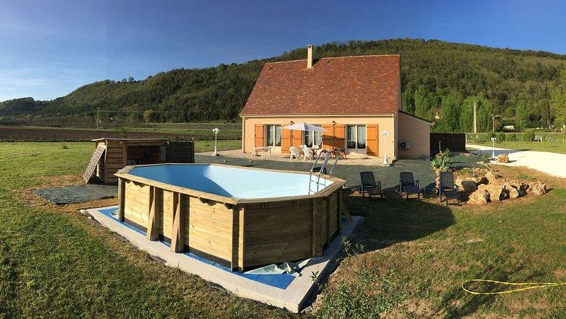 Périgourdine sur 1ha avec piscine et climatisation 5 personnes - tout confort, holiday rental in Berbiguieres