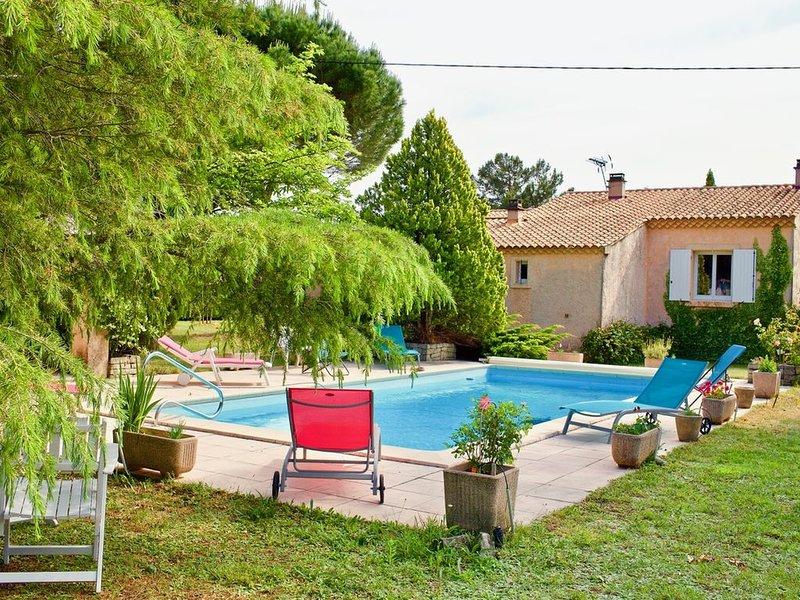 Les Murmures du Temps Villa climatisée 3 chambres à Carpentras  avec piscine, vacation rental in Carpentras