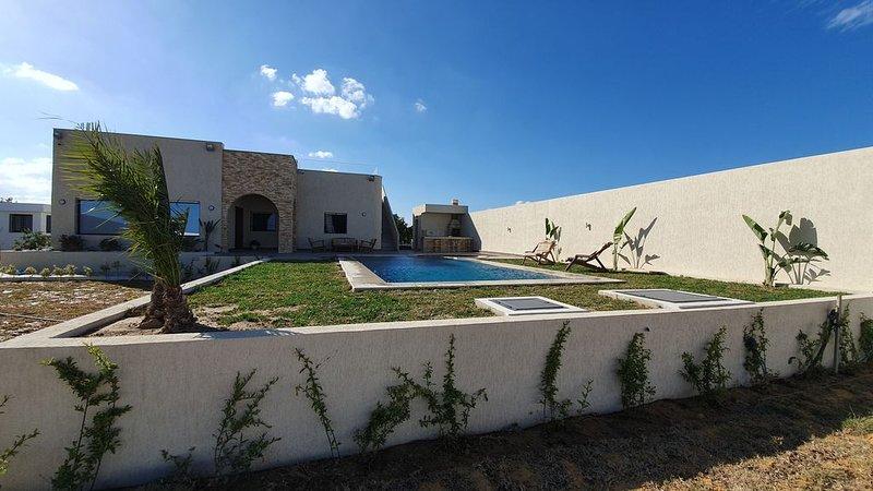 DAR BHAR DAROUFA (Maison bord de Mer rénovée), location de vacances à Hammamet