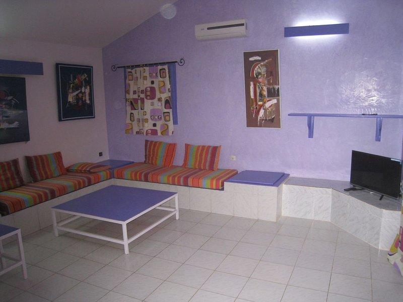 Villa comportant 2 appartements de 6 personnes et un studio de 25m², location de vacances à Popenguine