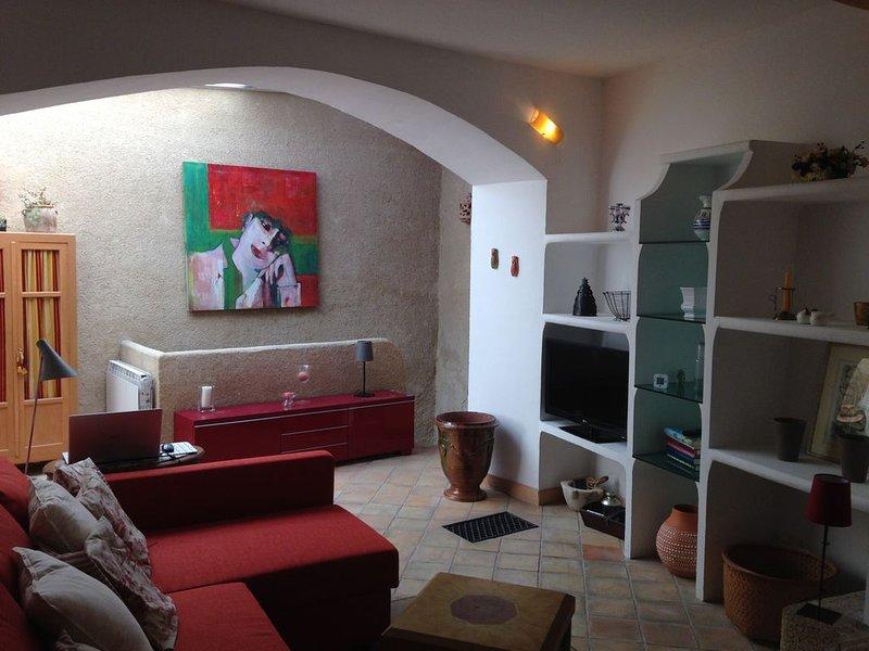 'Votre pied à terre en Provence', holiday rental in Rognes