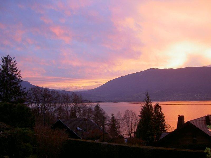 Meublé de tourisme 4* La Veyrolaine / Holiday rental  Lake Annecy / Ferienhaus, location de vacances à Bluffy