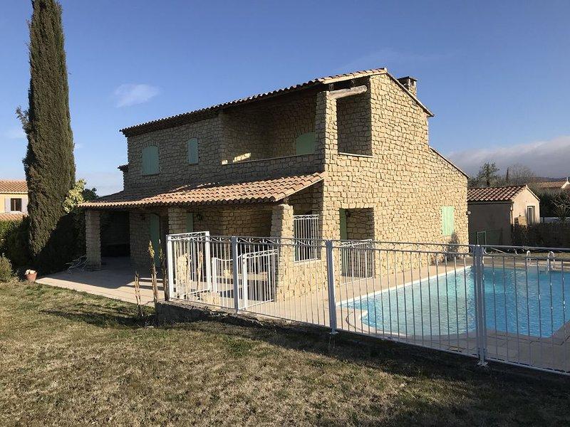 Belle villa familiale à Mazan / Mont Ventoux, Ferienwohnung in Mazan
