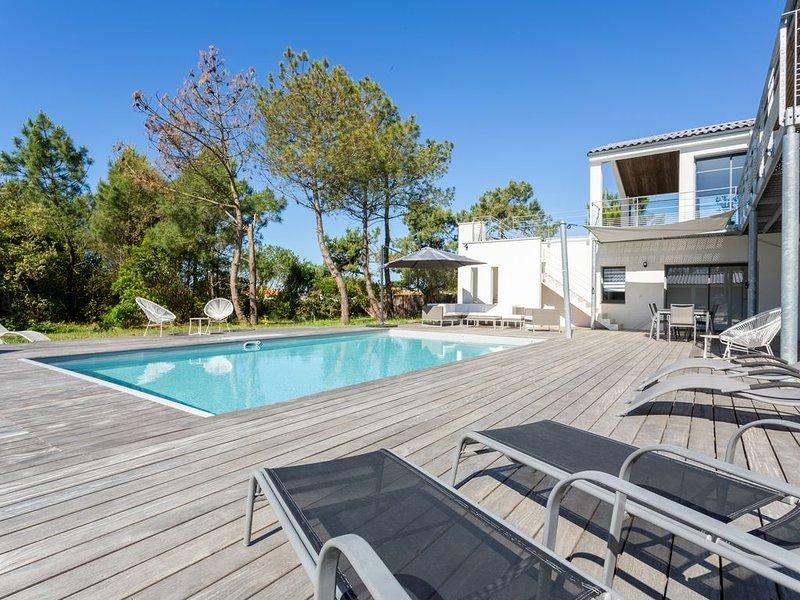 Villa neuve 240m2, proche océan, 5 chambres, 5 SDB, piscine, aux Sables d'Olonne, alquiler vacacional en Château-d'Olonne