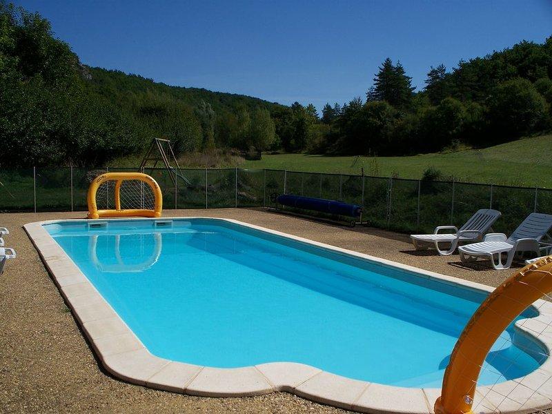 Gite au milieu de la nature, Calme assure (Les eyzies), vacation rental in Les Eyzies-de-Tayac-Sireuil