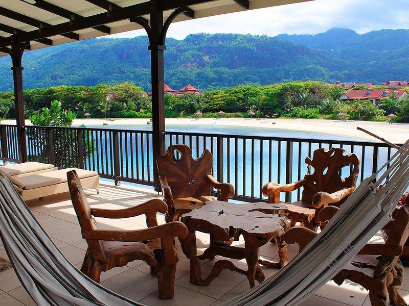 Appartement luxe 108m2 vue plage avec terrasse panoramique 64m2, alquiler vacacional en La Misere