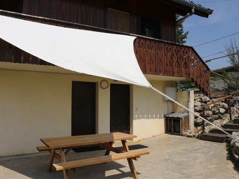 Chalet les myrtilles appartement en rez de jardin station les Brasses 1200m, casa vacanza a Onnion