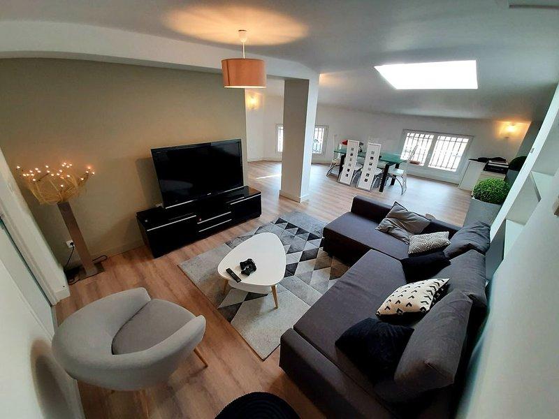Appartement style loft aux portes de Toulouse, holiday rental in Beauzelle