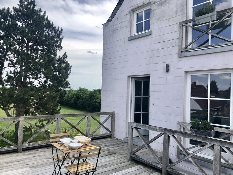 Triplex de 75m² au calme mais proche de tout, holiday rental in Walloon Brabant