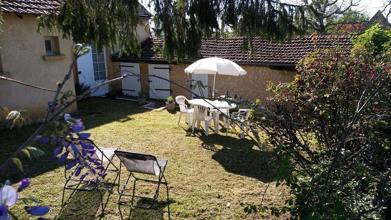 Gîte 'La petite Maison' au Calme de la Campagne, holiday rental in Paulin
