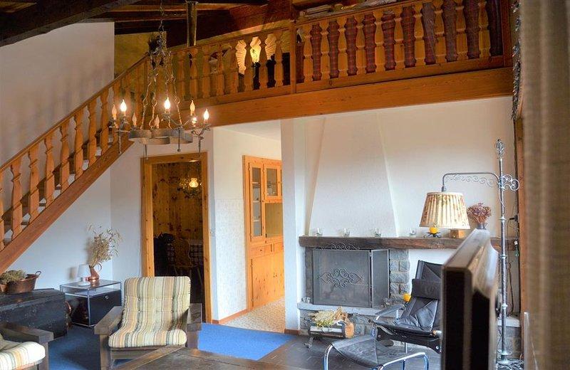 Extérieur : 4-pièces pour 6-7 personnes au 4ème étage, avec balcon -Intérieur :, aluguéis de temporada em Oberems