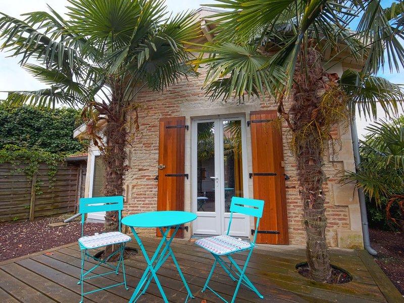 Maisonnette dans la palmeraie d'Arès, location de vacances à Claouey
