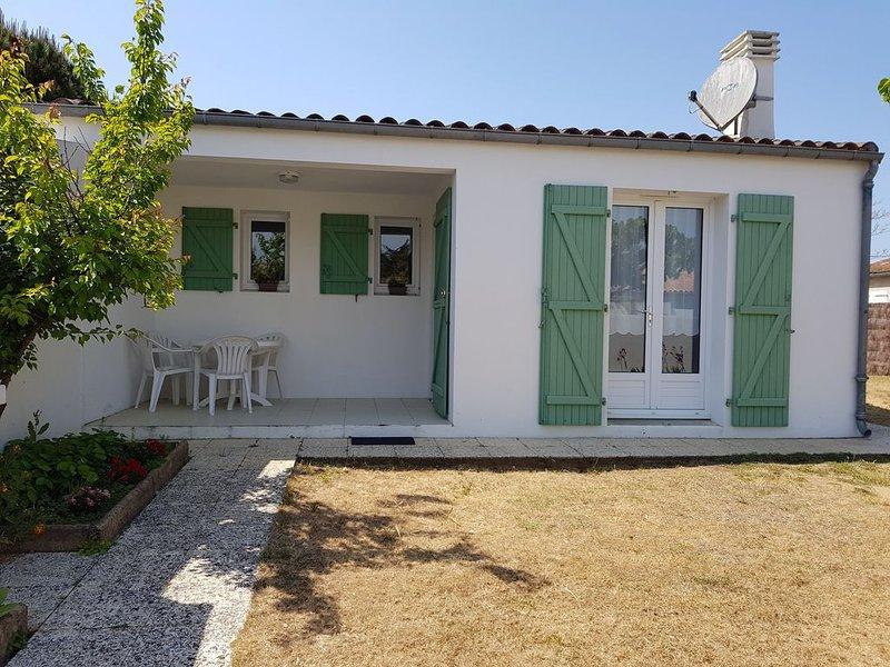 Villa - 4 Personnes - Jardin - Terrasse - Plage - Sainte Marie de Ré - Ile de Ré, holiday rental in Sainte Marie de Re